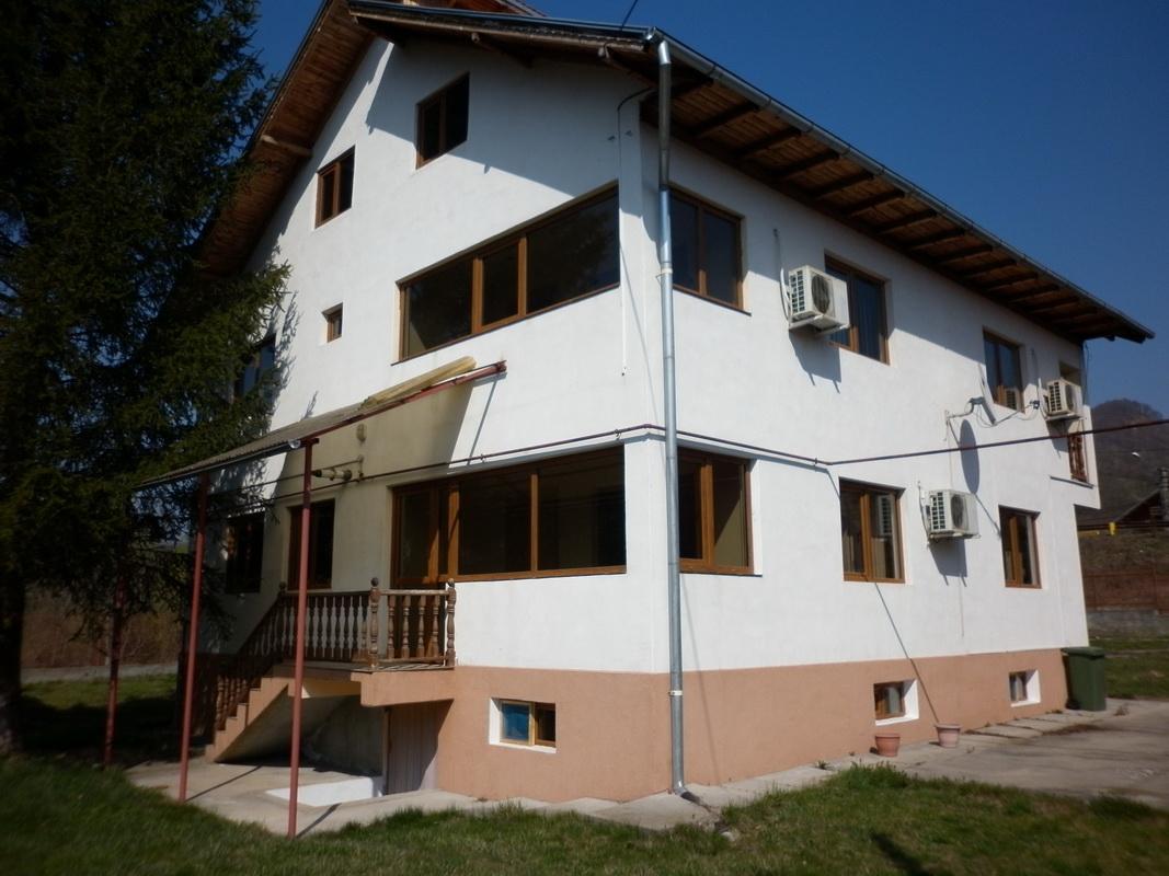 Casa de vacanta in Pietrosita