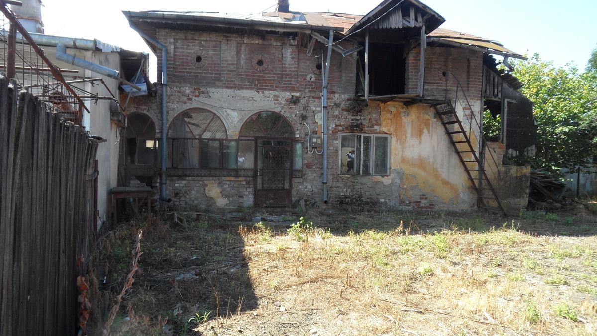 Casa demolabila in Razvad
